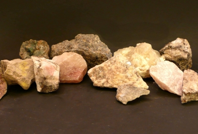 Assorted long wave minerals